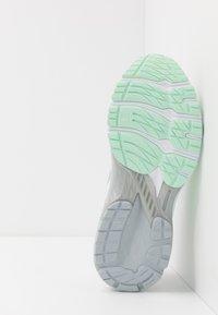 ASICS - GT-2000 8 MODERN TOKYO - Zapatillas de running estables - mint tint/white - 4