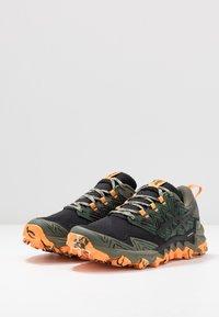 ASICS - GEL-FUJITRABUCO 8 - Chaussures de running - mantle green/black - 2