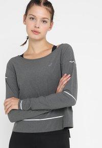 ASICS - LITE-SHOW COVER UP - Sportshirt - dark grey heather - 0
