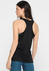 ASICS - GRAPHIC TANK - Toppe - performance black