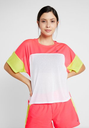 STYLE  - Camiseta estampada - brilliant white/laser pink