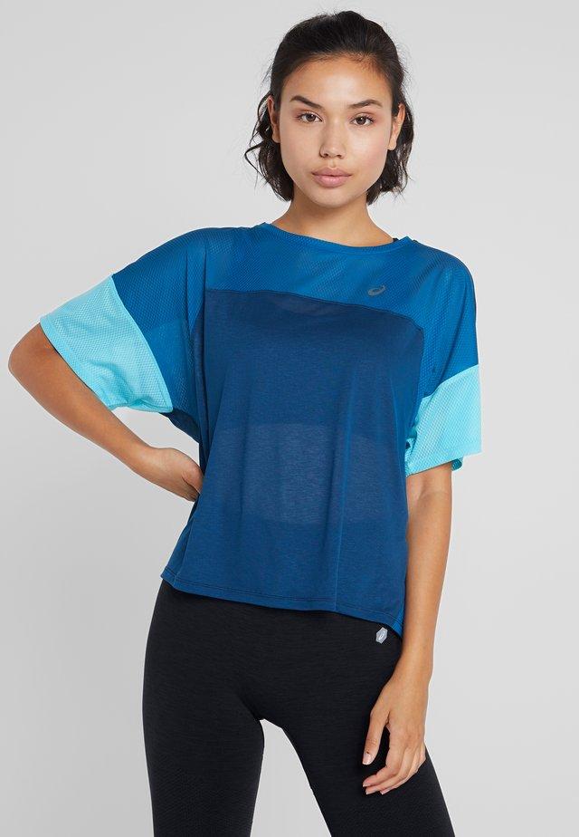 STYLE  - Camiseta estampada - mako blue/deep sapphire