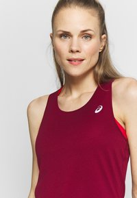 ASICS - TANK - Top - dried berry - 4