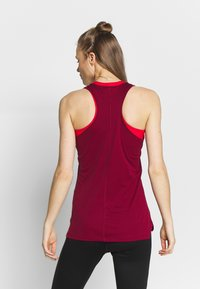 ASICS - TANK - Top - dried berry - 2