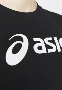 ASICS - SILVER ASICS  - Camiseta estampada - performance black / brilliant white - 5