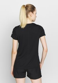 ASICS - SILVER ASICS  - Camiseta estampada - performance black / brilliant white - 2