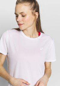 ASICS - KATAKANA - T-shirt med print - brilliant white - 4