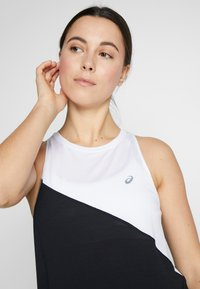 ASICS - TOKYO TANK - T-shirt de sport - brilliant white/performance black - 3