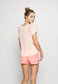 ASICS - TOKYO  - T-shirt imprimé - breeze - 2