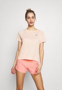 ASICS - TOKYO  - T-shirt imprimé - breeze - 0