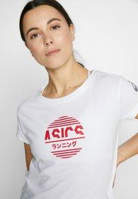 ASICS - TOKYO GRAPHIC TEE - Print T-shirt - brilliant white - 3