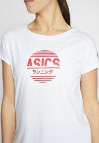 ASICS - TOKYO GRAPHIC TEE - Print T-shirt - brilliant white - 5