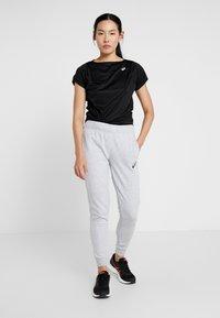 ASICS - BIG LOGO PANT - Pantaloni sportivi - mid grey heather/dark grey - 1
