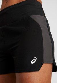 ASICS - EMPOW HER SHORT - Sports shorts - performance black/graphite grey - 3