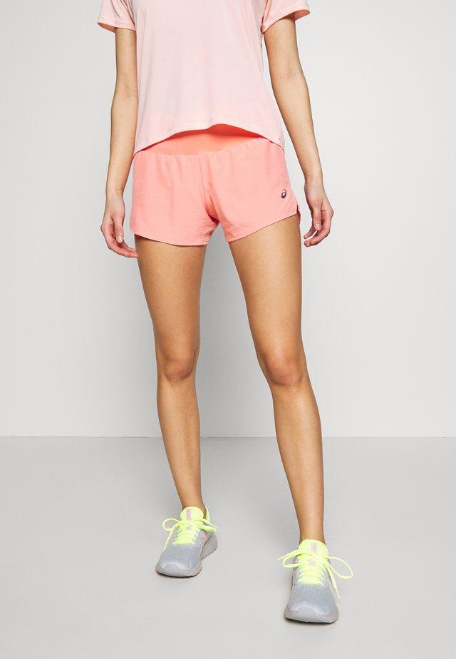 ROAD SHORT - Pantalón corto de deporte - guava