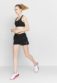 ASICS - SHORT - Sports shorts - performance black - 1