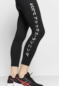 ASICS - KATAKANA CROP TIGHT - Legging - performance black - 5