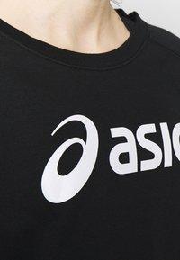 ASICS - BIG CROPPED CREW - Sweatshirt - performance black/ brilliant white - 5