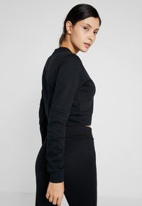 ASICS - TAILORED CROPPED CREW - Sweatshirt - performance black - 2