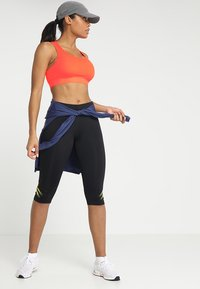 ASICS - SPROUT - Sports bra - flash coral - 1