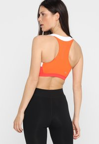 ASICS - COLOR BLOCK BRA - Sports bra - nova orange - 2