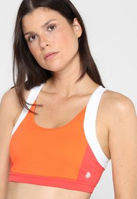 ASICS - COLOR BLOCK BRA - Sports bra - nova orange - 3