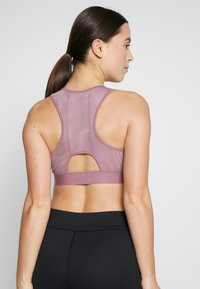 ASICS - BRA - Sports bra - purple oxide - 2