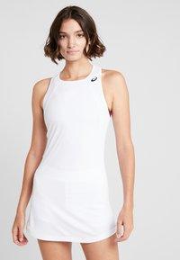 ASICS - CLUB DRESS - Sportovní šaty - brilliant white - 0