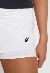 ASICS - TENNIS SKORT - Sportkjol - brilliant white/graphite grey - 4