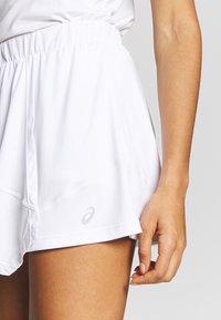 ASICS - CLUB SKORT - Sportovní sukně - brilliant white - 3