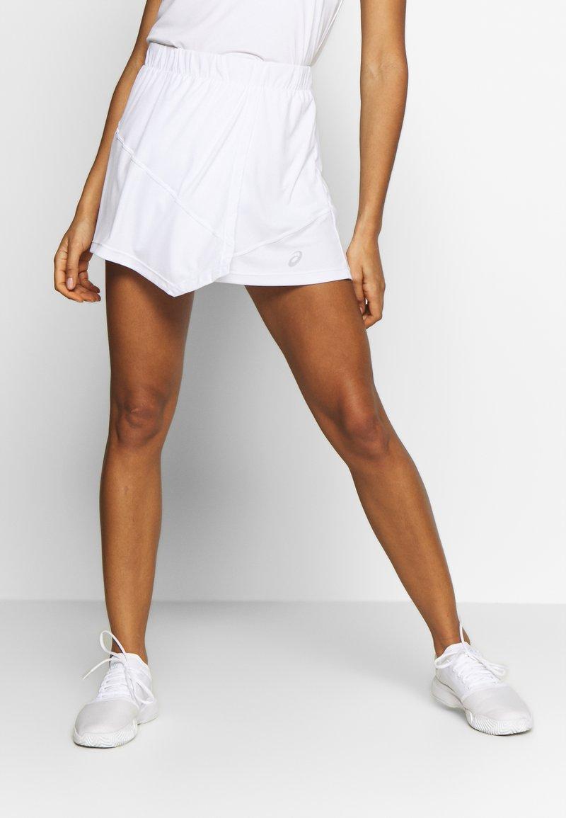 ASICS - CLUB SKORT - Sportovní sukně - brilliant white
