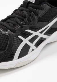 ASICS - UPCOURT 3 - Multicourt tennis shoes - black/pure silver - 5