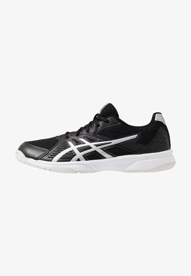 UPCOURT 3 - Tenisové boty na všechny povrchy - black/pure silver