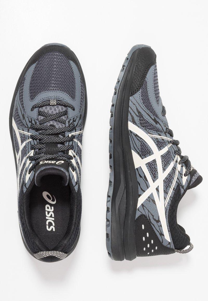 ASICS - FREQUENT TRAIL - Běžecké boty do terénu - black/birch