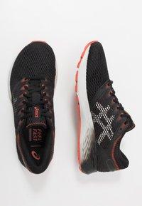 ASICS - ROADHAWK FF 2 - Neutral running shoes - black/glacier grey - 1