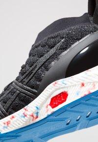 ASICS - HYPERGEL-KAN - Sportovní boty - black/directoire blue - 6