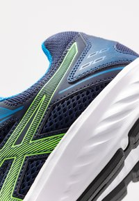 ASICS - JOLT 2 - Zapatillas de running neutras - peacoat/green gecko - 5
