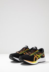 ASICS - GEL-EXCITE 6 - Neutrala löparskor - black/shocking orange - 2
