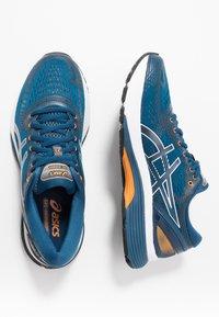 ASICS - GEL-NIMBUS 21 - Neutrální běžecké boty - mako blue/black - 1