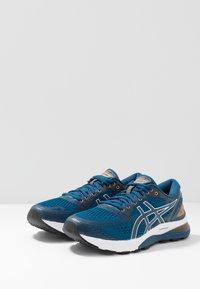 ASICS - GEL-NIMBUS 21 - Neutrální běžecké boty - mako blue/black - 2