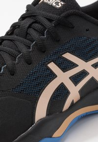 ASICS - GEL-GAME 7 - Tenisové boty na všechny povrchy - black/champagne - 5
