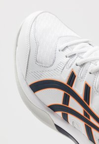 ASICS - GEL-ROCKET 9 - Volleyball shoes - white/peacoat - 5
