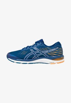 GEL-CUMULUS 21 - Neutrální běžecké boty - mako blue/white