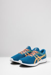 ASICS - PATRIOT 11 - Neutral running shoes - deep sapphire/shocking orange - 2