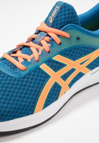 ASICS - PATRIOT 11 - Neutral running shoes - deep sapphire/shocking orange - 5