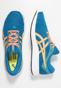 ASICS - PATRIOT 11 - Neutral running shoes - deep sapphire/shocking orange - 1
