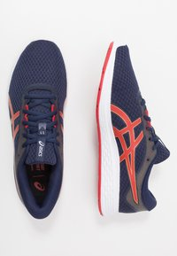 ASICS - PATRIOT 11 - Neutral running shoes - peacoat/classic red - 1