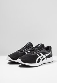 ASICS - PATRIOT 11 - Neutral running shoes - black/white - 2