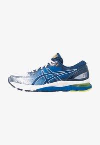 ASICS - GEL-NIMBUS 21 - Neutrální běžecké boty - white/lake drive - 0