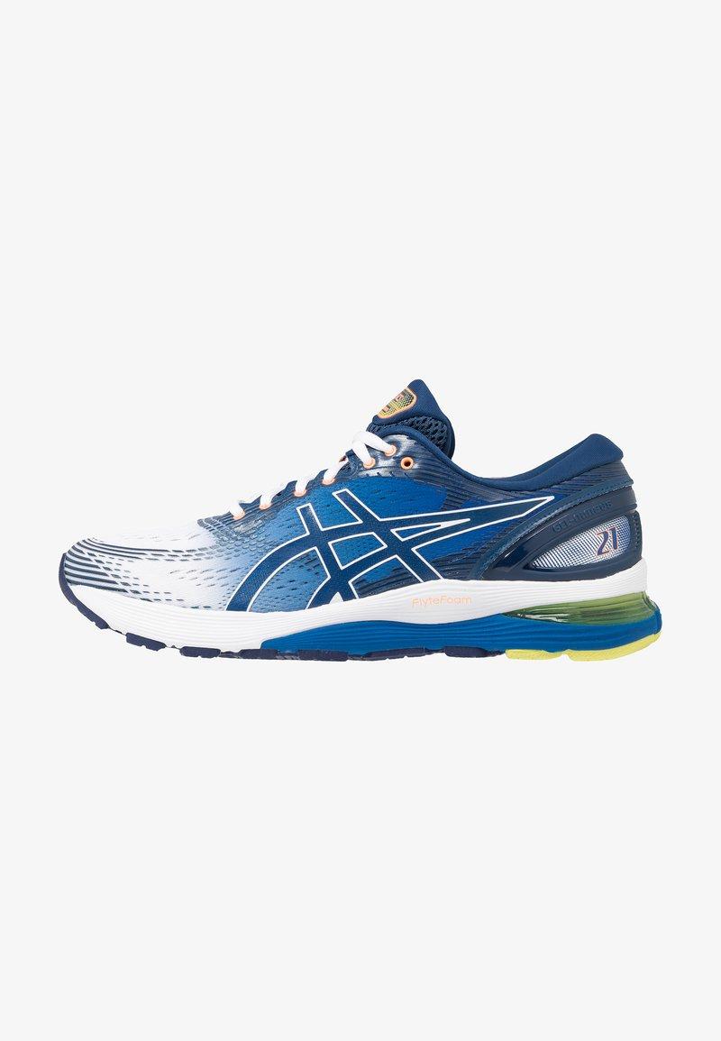 ASICS - GEL-NIMBUS 21 - Neutral running shoes - white/lake drive
